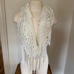 Accessories - Fringe cream scarf